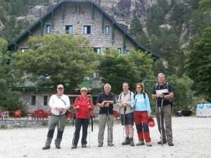 Foto de grupo al inicio de la caminata
