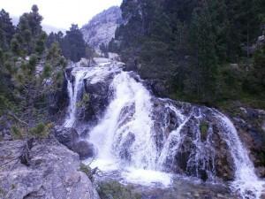 Cascada del Pino, en el río Caldarés