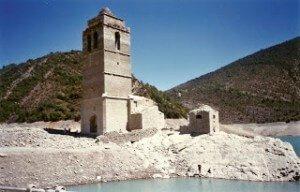 Torre y esconjurador