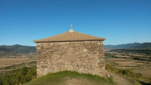 La ermita de San Benito, vista por su flanco occidental