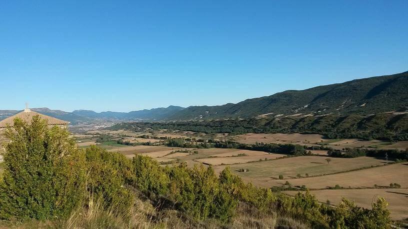 """Curiosa formación orográfica, a la que suelen llamar la """"cola del dragón"""". Vista desde la ermita de San Benito"""