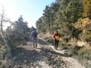 Iniciando el camino de bajada a la ermita de La Tobeña