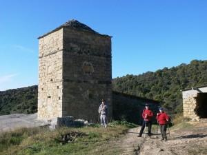 La Tobeña, torreón defensivo con sus troneras