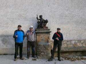 Parte del grupo, al inicio del recorrido en Loporzano