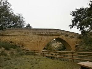 Sipán. Puente medieval sobre el río Guatizalema