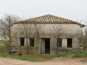 Arbaniés. Lo que fueron las antiguas escuelas, imagen de la decadencia de los pueblos.