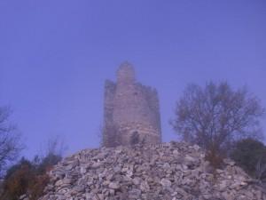 Llegando al torreón de Chiriveta. Ya se levanta la niebla