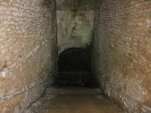 Laluenga. Interior del Pozo Fuente