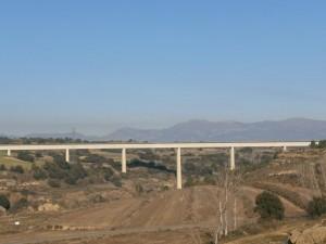Pertusa. Acueducto del Canal del Cinca sobre el río Alcanadre