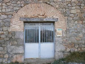 Puerta de entrada a la ermita de Santa Quiteria