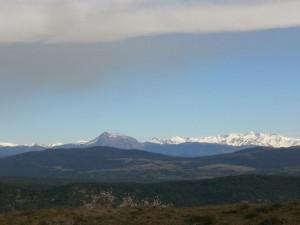 Desde Purroy, una vista de El Turbón en primer término