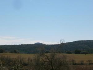 """Al fondo, el """"pueblo viejo"""" de Purroy, que habíamos visitado antes"""