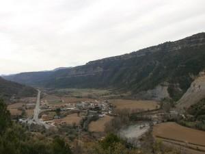 Una vista de Santaliestra, bajando de Aguilar