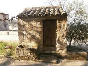 Lamata. Antiguo pozo en el pueblo