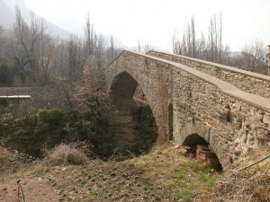 Beranuy. Puente medieval