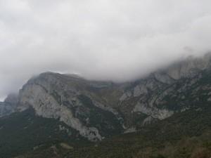 Nubes amenazantes sobre Peña Montañesa
