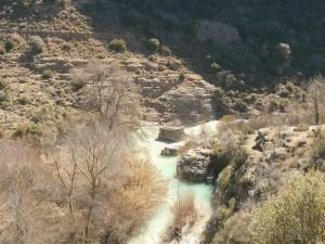 Alquezar. Río Vero. Pilastras de un antiguo puente