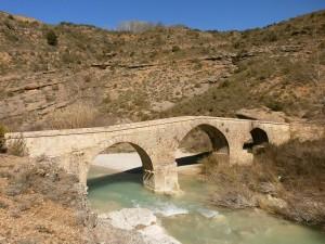 Alquezar. Puente de Fuendebaños