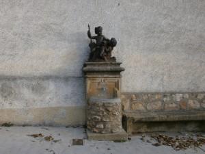 Loporzano. Fuente pública