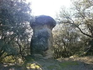 """Ayera. """"Piedra de los Moros"""". Asentamiento medieval"""
