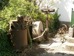 Castillazuelo. Engranajes y piedra de un antiguo molino