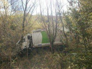 Camino de Morens. Camión accidentado