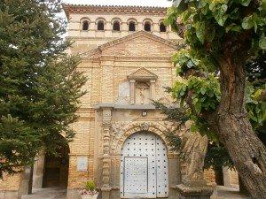 Azlor. Puerta de entrada a la iglesia parroquial