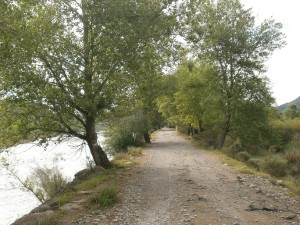 Escollera del río Ara, camino Boltaña