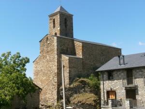 Liri. Iglesia-fortaleza de San Martín