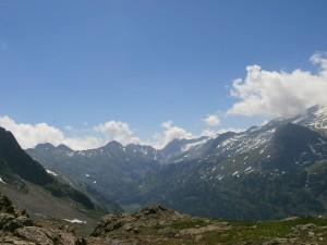 Al fondo, a la derecha, se puede ver el glaciar del Aneto