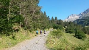 Camino por el valle de Estós