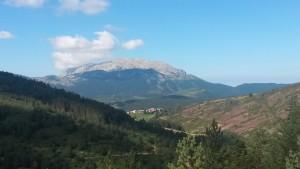 Camino del Tozal de Puntos. Villarrué y El Turbón