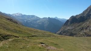 Al fondo el Valle de Bielsa y el macizo de Posets