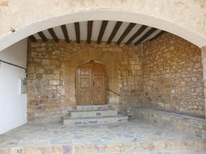 Bonansa. Puerta de entrada a la iglesia
