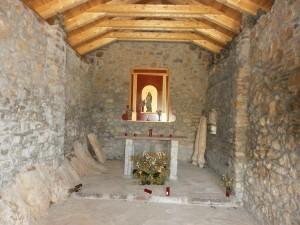Laspaúles. Interior ermita Santa Lucía