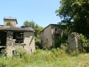 Casas en ruinas. Conjunto Casa Conques