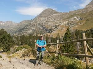 Pico de Salvaguardia y paso de El Portillón, de fondo