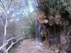Biescas. Ermita de Santa Elena. Cascada
