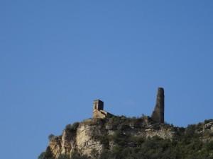 Perarrúa. Castillo del Mon e iglesia de San Clemente