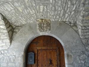Torre de Obato (Torrobato). Escudo Casa Carllan