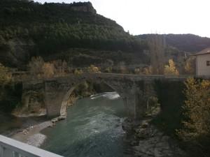 Perarrúa. Puente sobre el río Ésera