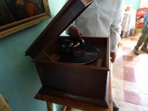 Blecua. Museo Buil. Antiguo gramófono