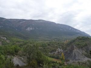 Camino de San Juan. Al fondo Sierra Ferrera