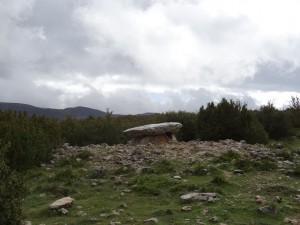 Otín - Nasarre. Dolmen de la Losa Mora