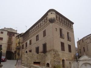 Fonz. Palacio de los Gómez de Alba