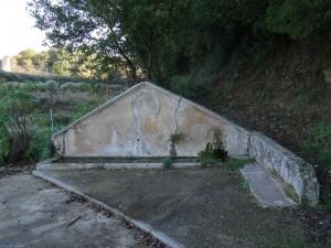 Colungo. Fuente bajada a huertos