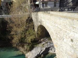 Serraduy. Puente sobre el río Isábena
