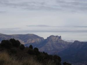 Güel. Vista de la sierra de Sis desde la ermita