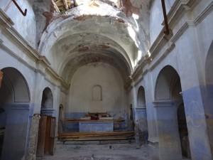 Iscles. Interior iglesia San Martín
