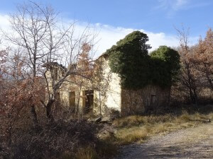 Casa en ruinas junto a San Abdón y San Senén
